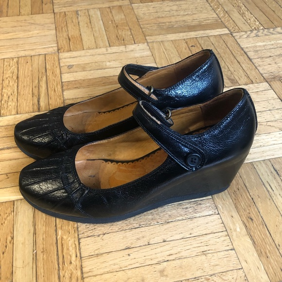 Miz Mooz Shoes - Like new condition! Belle leather shoes.